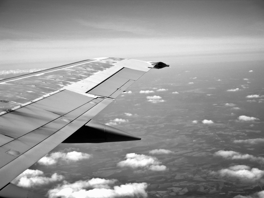 black-and-white-sky-flying-holiday
